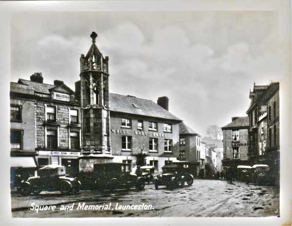 town-square-in-the-1920s