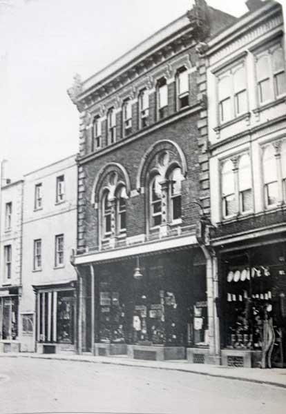 williams-ironmongers-broad-street-launceston