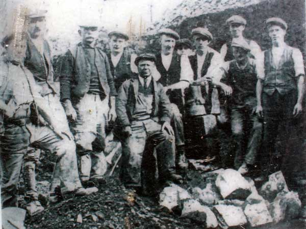 workmen-cleraring-the-site-in-the-late-19th-century
