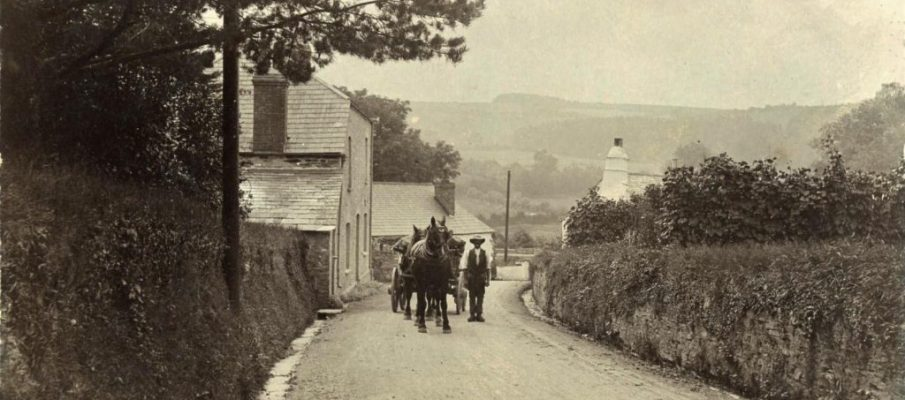 Old picture of the main road throughYeolmbridge, Launceston