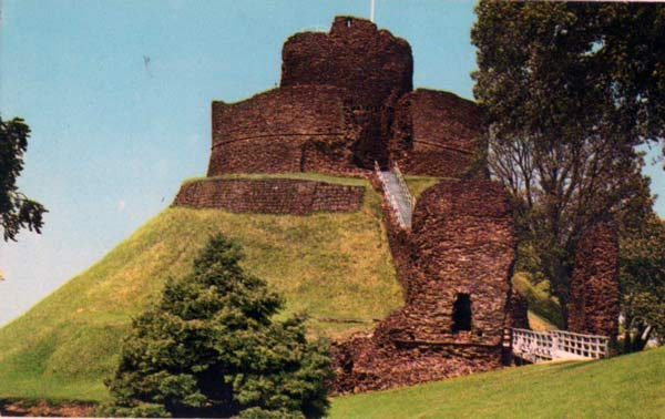 launceston-castle-in-the-1970s-3