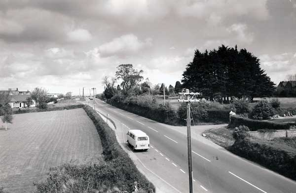 a30-looking-eastwards-towards-badash-cross-from-the-launceston-college-footbridge-in-1974-photo-courtesy-of-steve-dymond
