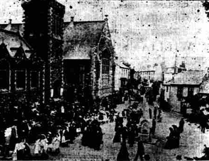 Childrens procession for Empire Day May 1908