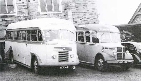 crowles-of-crackington-haven-commer-avenger-on-the-left-parked-in-the-old-sheep-market-car-park
