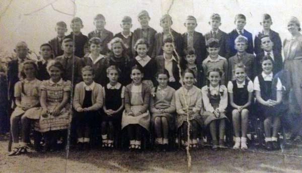 national-v-p-school-c-1949-photo-courtesy-of-kirsty-hamley
