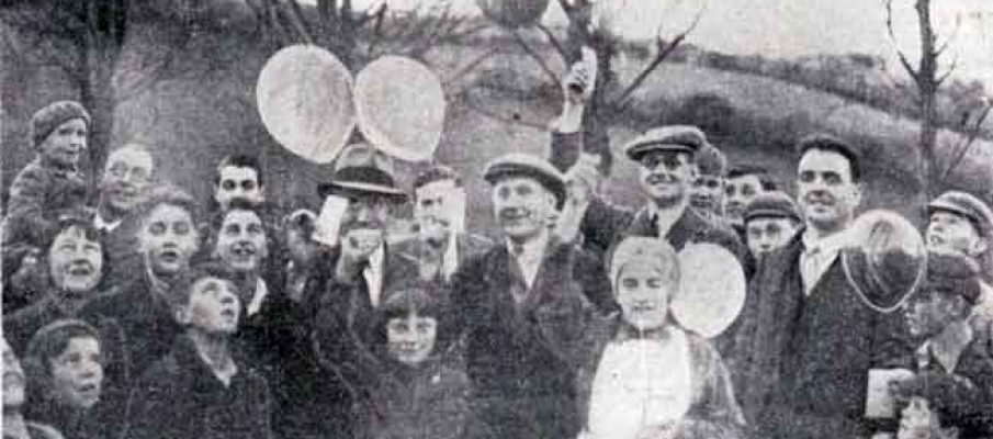 november-1935-launceston-carnival-balloon-race-from-the-castle-green