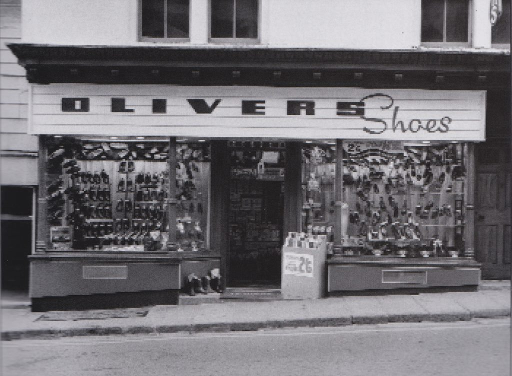 Olivers, Broad Street (The Golden Boot), Launceston