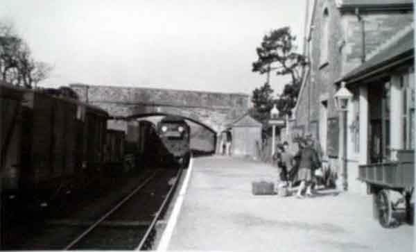 otterham-station-in-1960