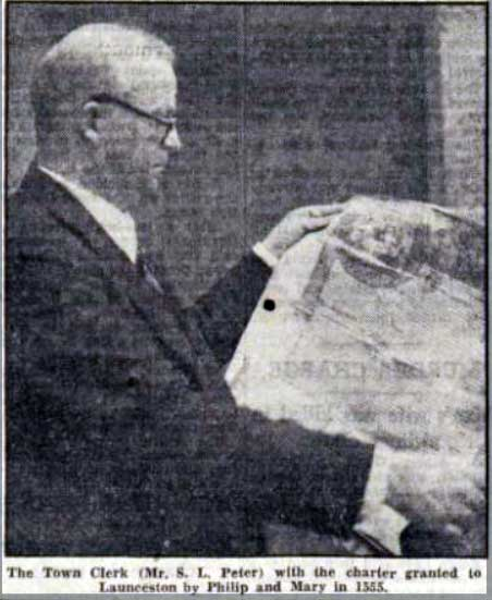 Stuart Peter (Town-Clerk) in 1949 with the Towns Royal Charter granted in 1555.
