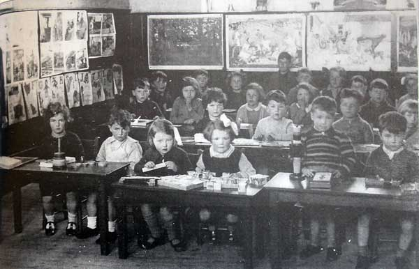 st-stephens-infants-class-from-the-1930s