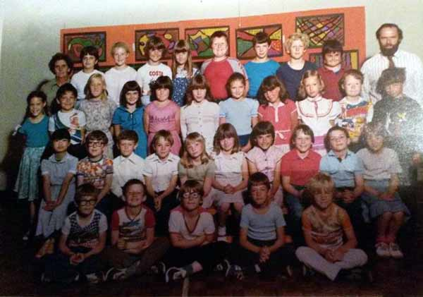 st-stephens-school-1983-with-mr-roberts-photo-courtesy-of-vanessa-hill