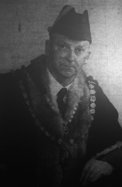 stuart-peter-mayor-in-1953