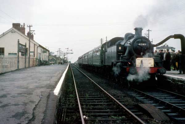 the-last-steam-train-to-travel-the-north-cornwall-line-in-1965