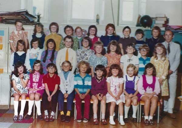 tregadillet-school-top-class-in-1973