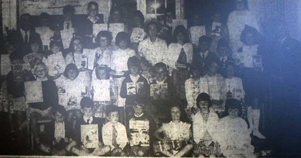 windmill-school-1966-prizewinners-with-the-headmaster-mr-decon-and-mr-pratt