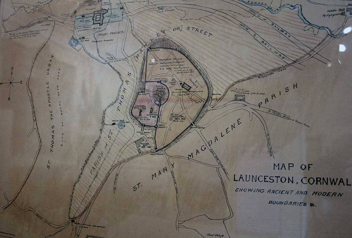 ancient-map-of-launceston-and-its-castle-and-town-walls