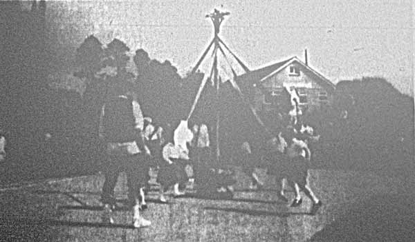 1993 Lewannick Maypole dancing.