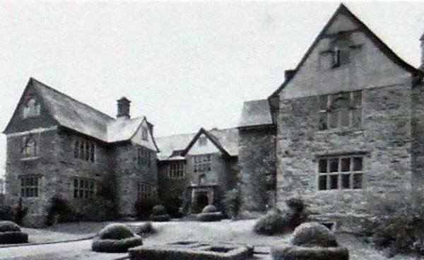 Sydenham House in 1977. Eastern Elevation