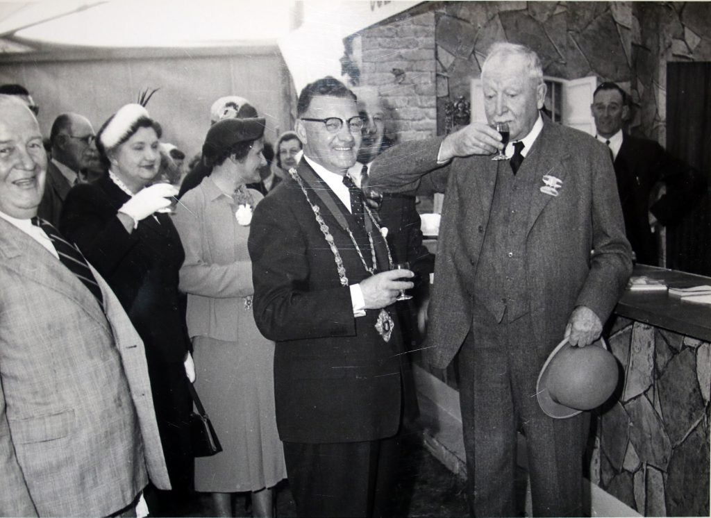 Cecil Robins and delegates at the 1955 Bath and West Show