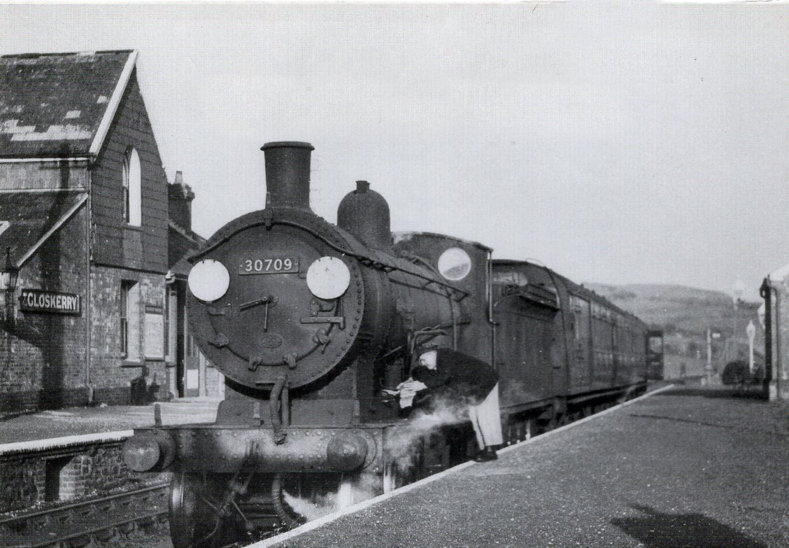Engine no 30709 at Egloskerry on April 21, 1960