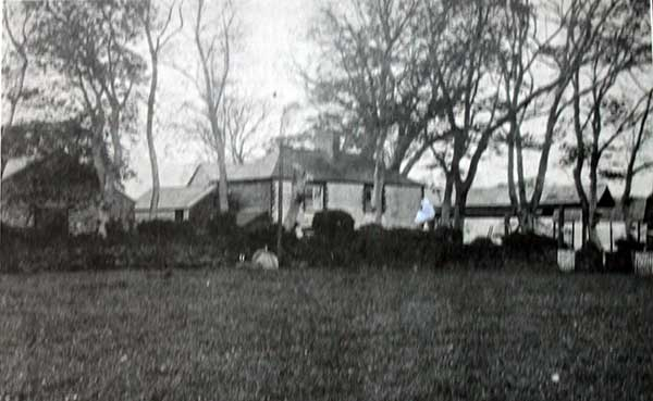 Landrends Cottages in 1929.