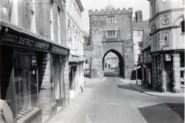 Southgate Place, Launceston in the early 1960's. Photo courtesy of Gary Chapman