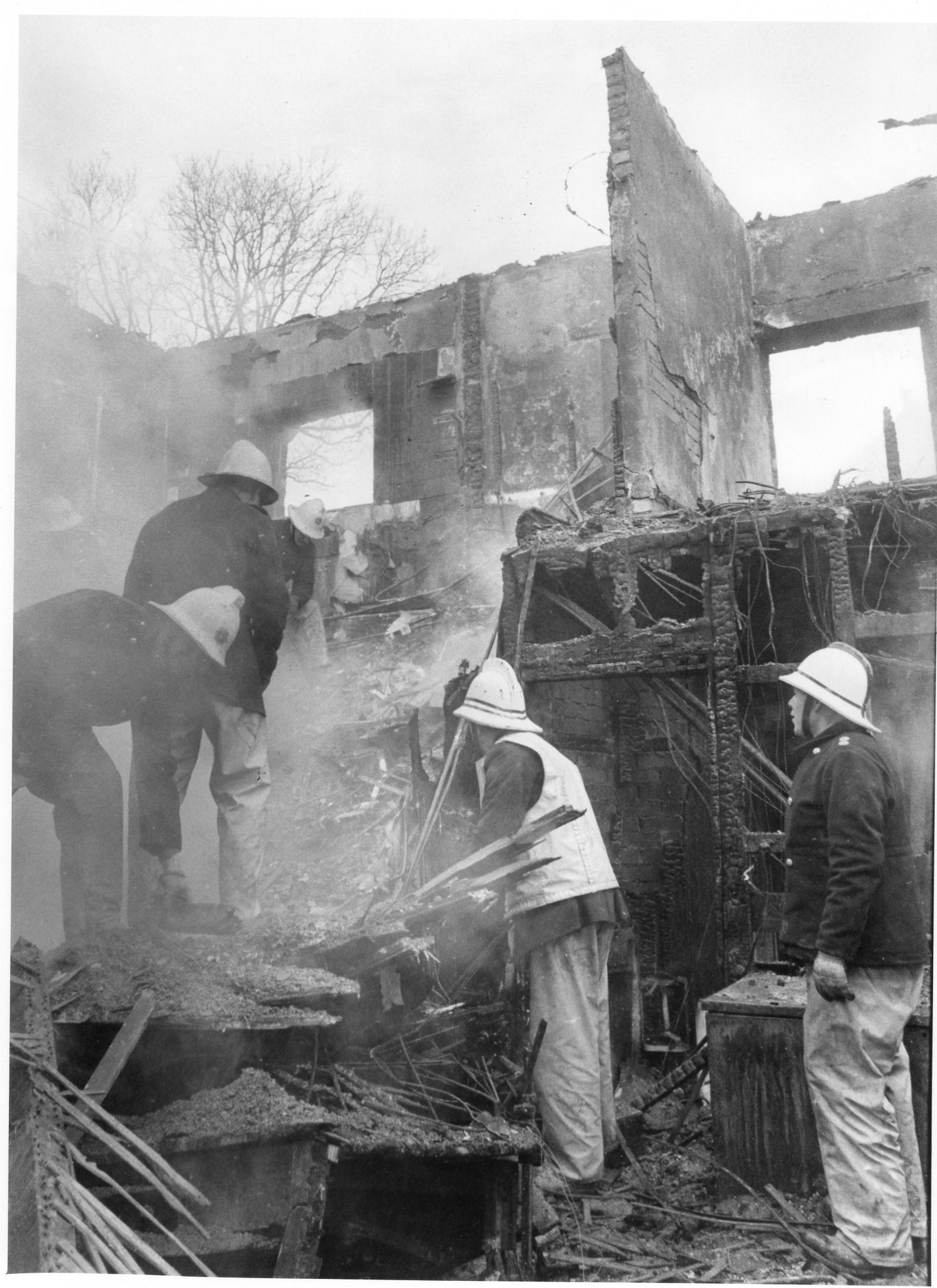 Fire Damage to the Coach House Motel, Lewdown, December 20th, 1981. Photo courtesy of Gary Chapman.