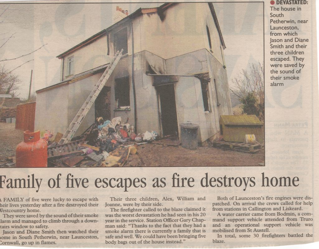 South Petherwin House Fire, March 3rd, 2006. Photo courtesy of Gary Chapman.
