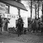 East Cornwall Hunt meet at the Kings Head in 1940.